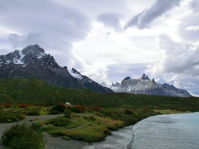 Torres-del-Paine---Anleger-Catamaran-Lago-Pehoe-